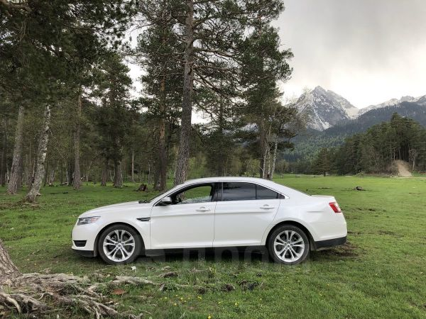 Ford Taurus, 2012 год, 1 250 000 руб.