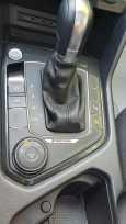 Volkswagen Tiguan, 2018 год, 2 300 000 руб.