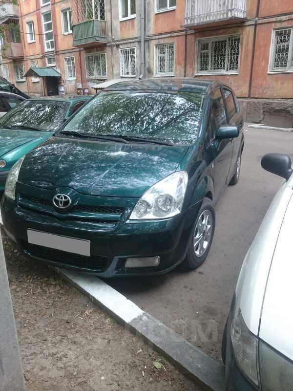 Toyota Corolla Verso, 2005 год, 350 000 руб.