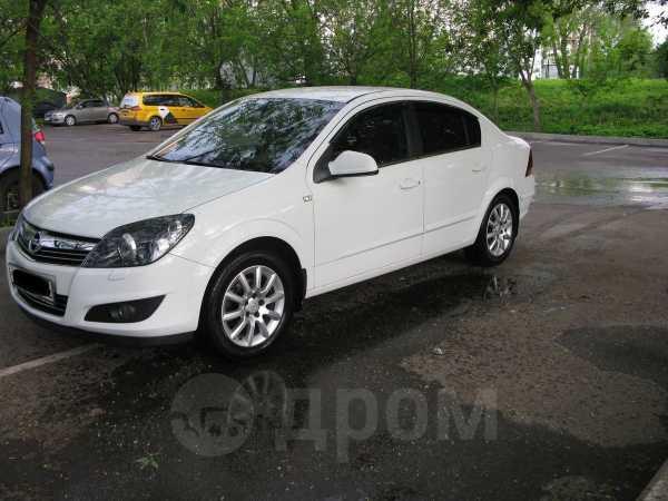 Opel Astra Family, 2013 год, 520 000 руб.