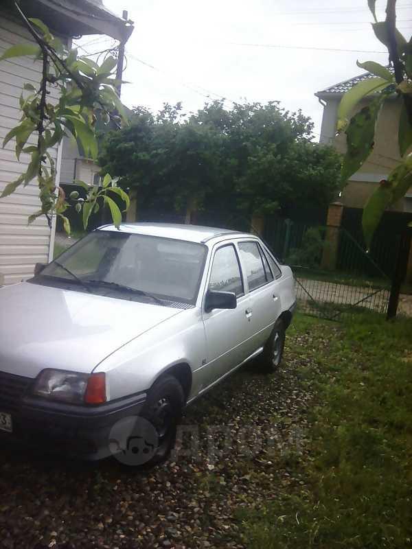 Opel Kadett, 1985 год, 35 000 руб.