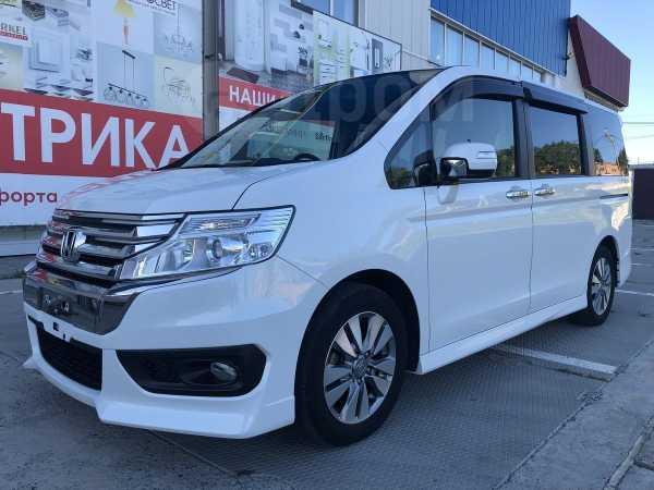Honda Stepwgn, 2013 год, 930 000 руб.