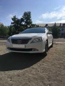 Кызыл Toyota Camry 2012