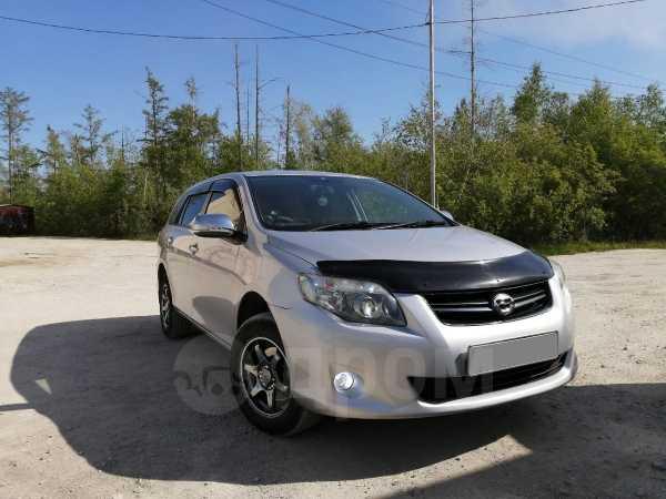 Toyota Corolla Fielder, 2010 год, 630 000 руб.