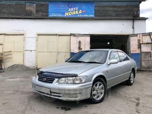 Toyota Camry Gracia, 2000 год, 305 000 руб.