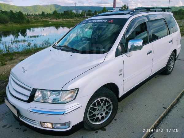 Mitsubishi Chariot Grandis, 2001 год, 350 000 руб.
