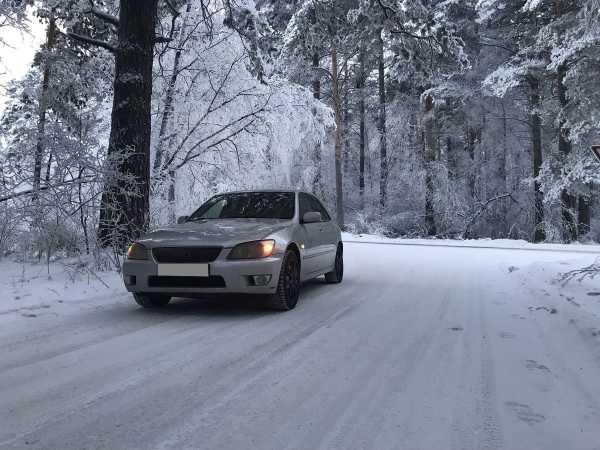 Lexus IS200, 1999 год, 320 000 руб.