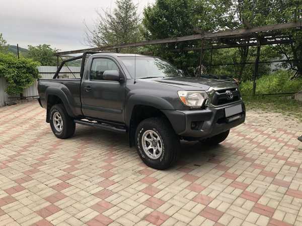 Toyota Tacoma, 2013 год, 880 000 руб.