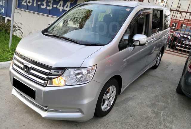 Honda Stepwgn, 2014 год, 1 020 000 руб.