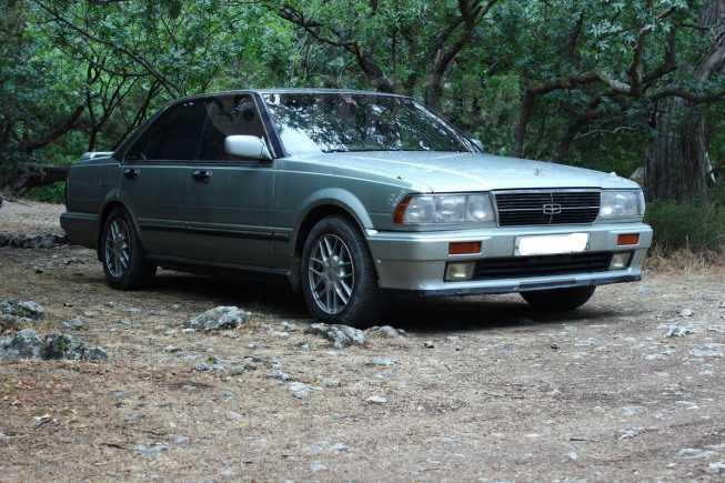 Nissan Gloria, 1987 год, 300 000 руб.