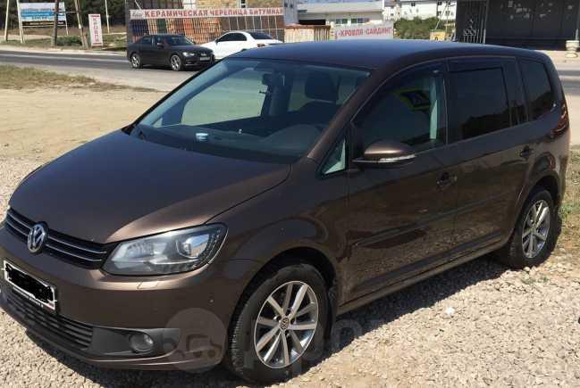 Volkswagen Touran, 2010 год, 570 000 руб.