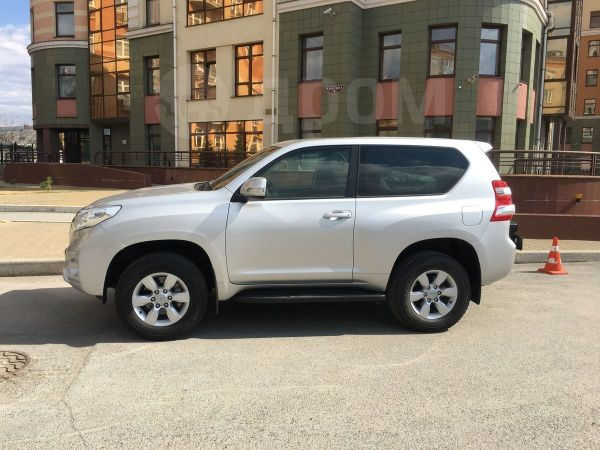Toyota Land Cruiser Prado, 2015 год, 2 330 000 руб.