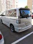 Toyota Voxy, 2006 год, 650 000 руб.