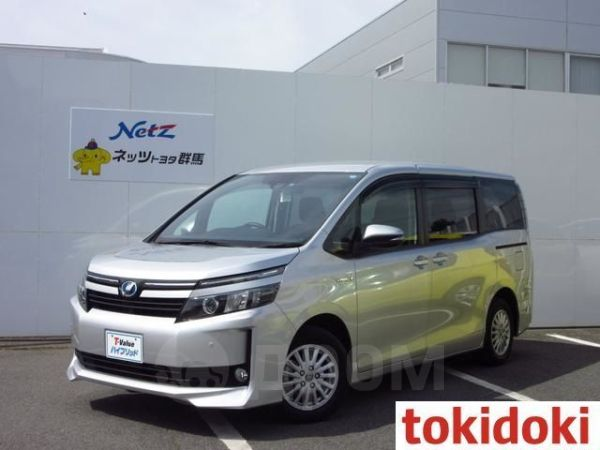 Toyota Voxy, 2016 год, 1 240 000 руб.