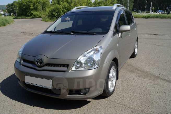 Toyota Corolla Verso, 2006 год, 530 000 руб.