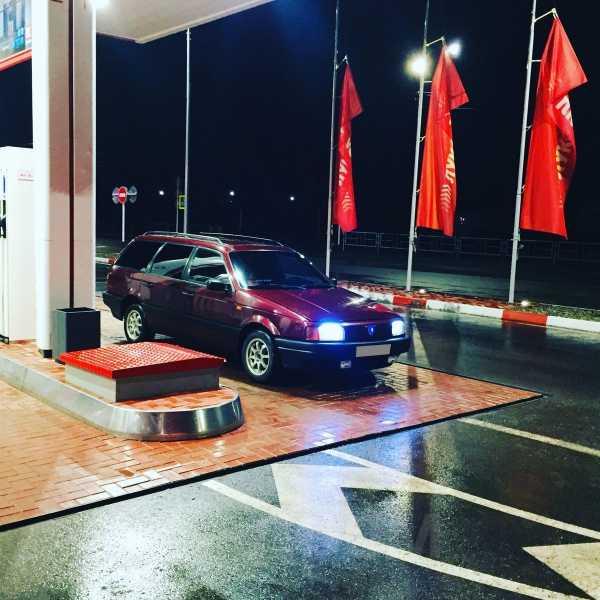 Volkswagen Passat, 1993 год, 135 000 руб.