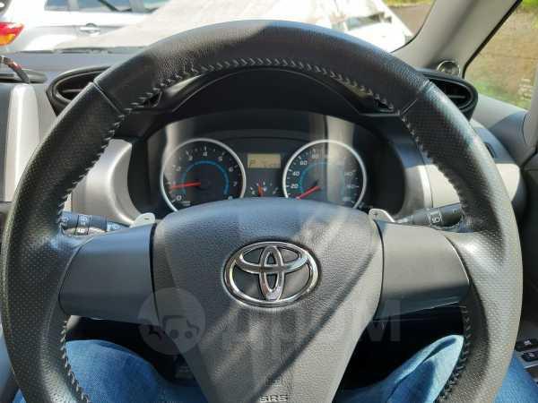 Toyota Wish, 2011 год, 960 000 руб.