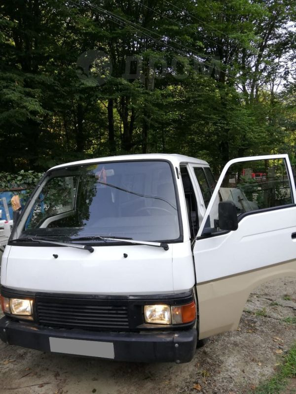 Nissan Urvan, 1990 год, 150 000 руб.