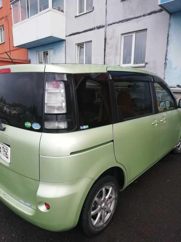 Toyota Sienta, 2013 год, 555 000 руб.