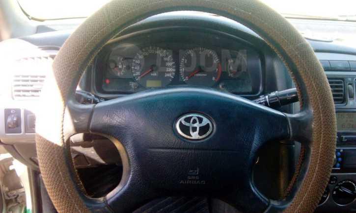 Toyota Avensis, 2000 год, 210 000 руб.