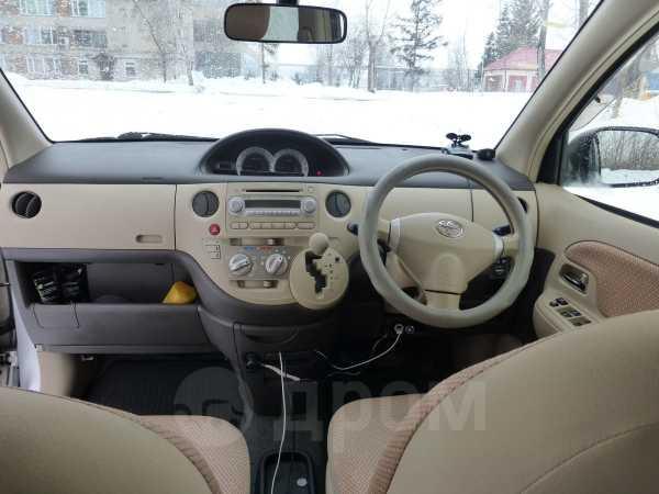 Toyota Sienta, 2013 год, 610 000 руб.
