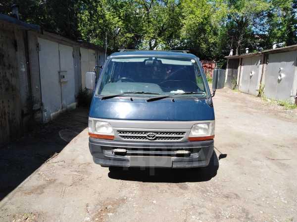 Toyota Hiace, 2002 год, 450 000 руб.