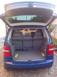 Volkswagen Touran, 2004 год, 355 000 руб.