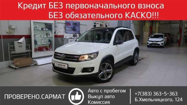 Volkswagen Tiguan, 2016 год, 899 000 руб.