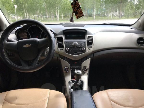 Chevrolet Cruze, 2009 год, 320 000 руб.
