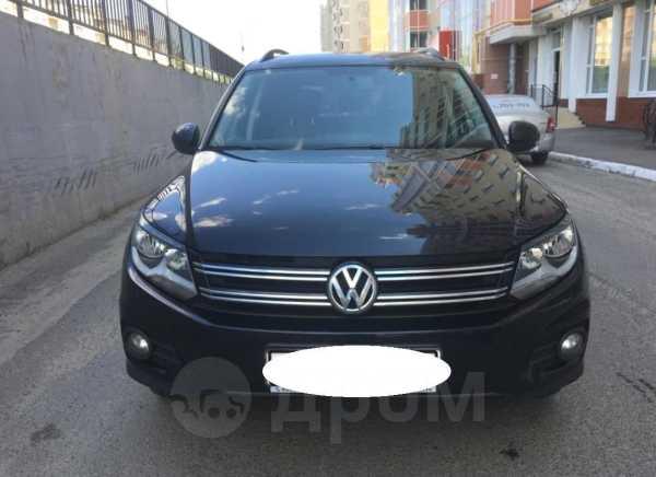 Volkswagen Tiguan, 2011 год, 905 000 руб.