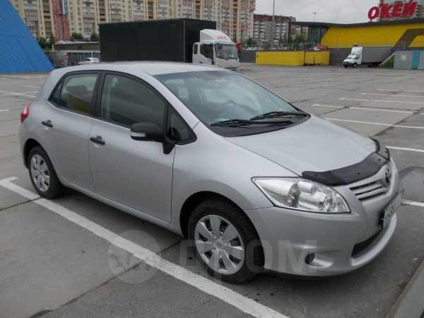 Toyota Auris, 2012 год, 585 000 руб.