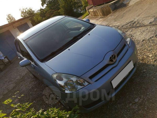 Toyota Corolla Verso, 2006 год, 415 000 руб.