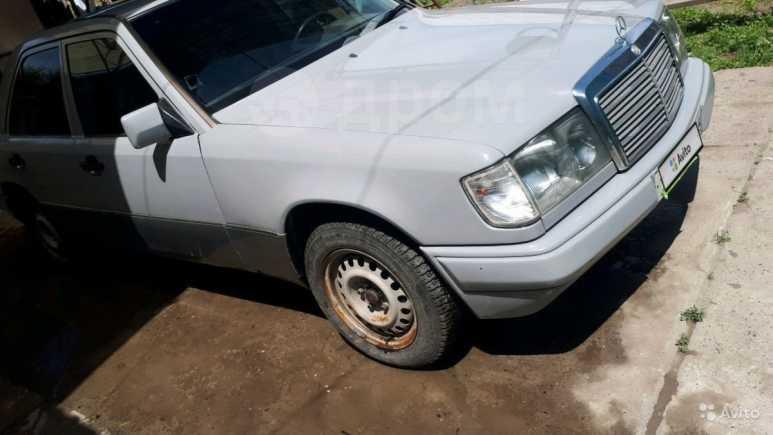 Mercedes-Benz E-Class, 1990 год, 135 000 руб.