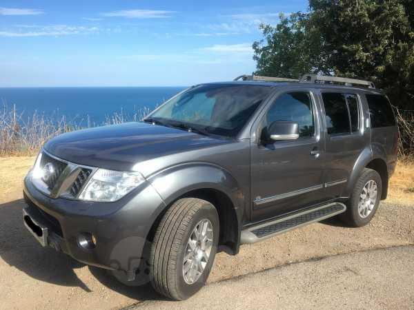 Nissan Pathfinder, 2013 год, 1 050 000 руб.