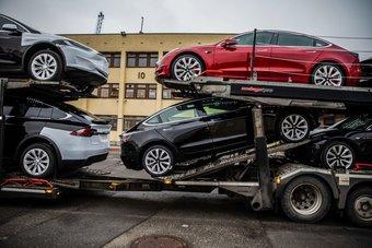 Спрос на Tesla Model 3 продолжает расти