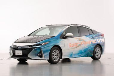 Toyota тестирует Prius с солнечными батареями: его можно будет не заряжать
