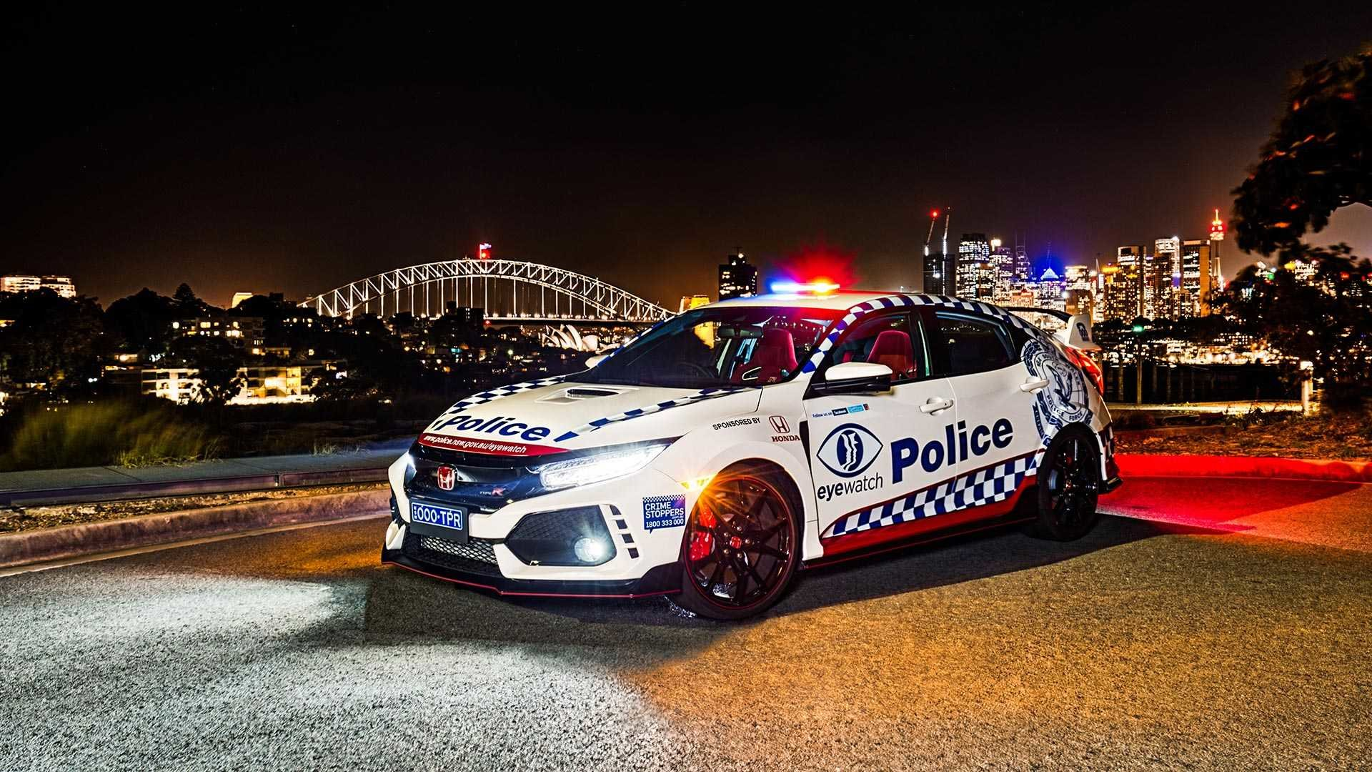 Новая BMW M5 Competition пополнила безумный автопарк австралийских полицейских (ФОТО)