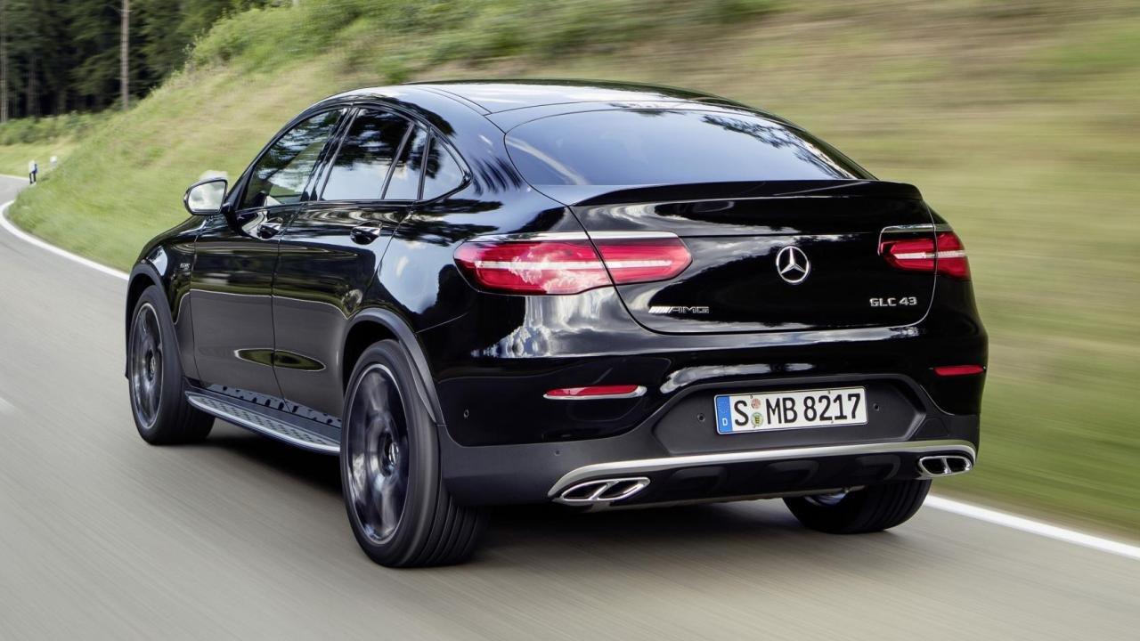 Рестайлинговые Mercedes-AMG GLC 43 и GLC 43 Coupe стали мощнее и теперь с ними можно общаться