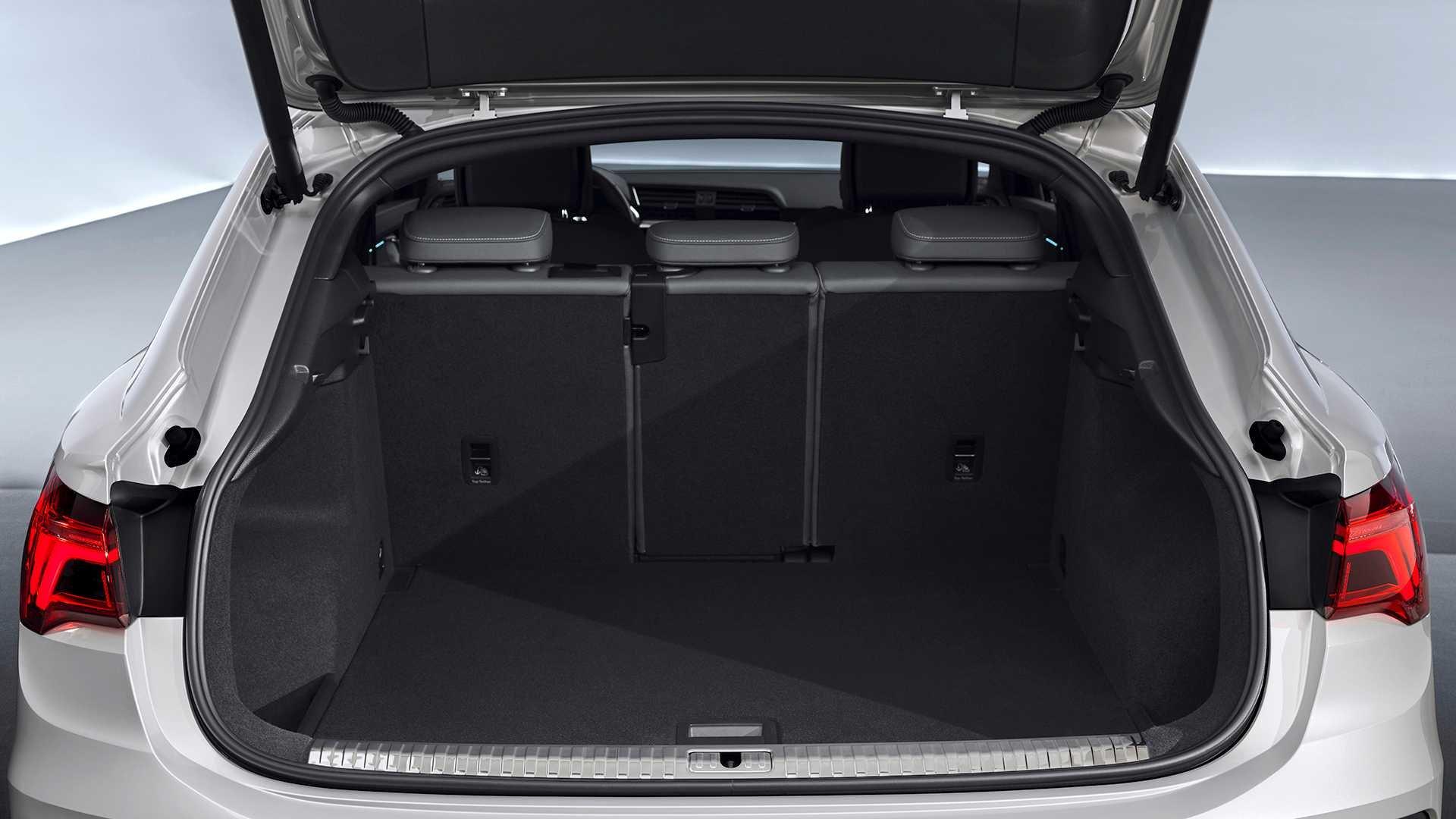Кроссовер Audi Q3 Sportback получил заниженную крышу