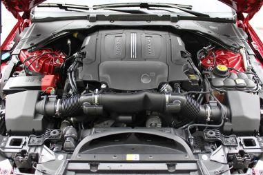 СМИ: Jaguar Land Rover откажется от производства бензиновых двигателей, но найдет им немецкую замену