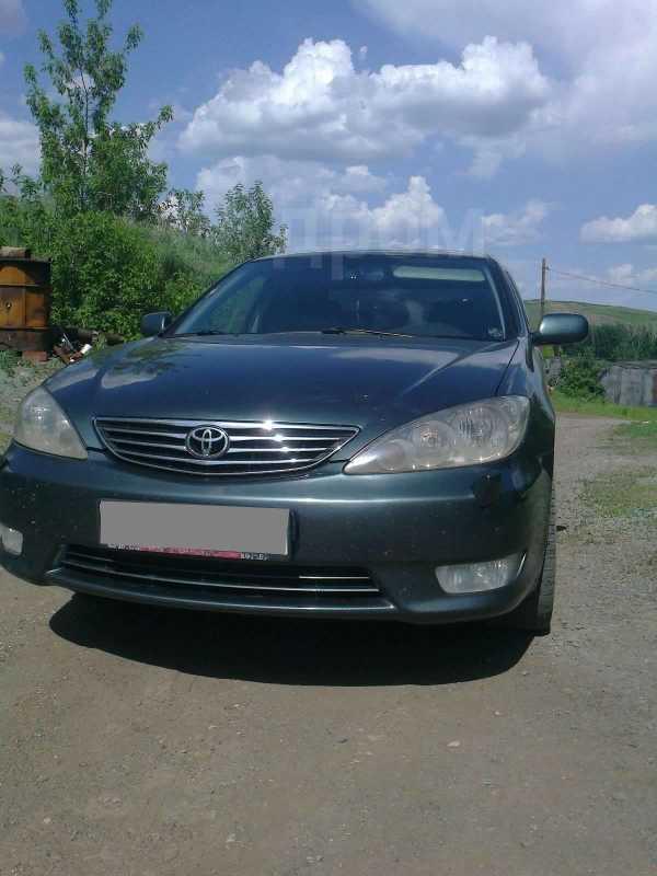Toyota Camry, 2005 год, 590 000 руб.