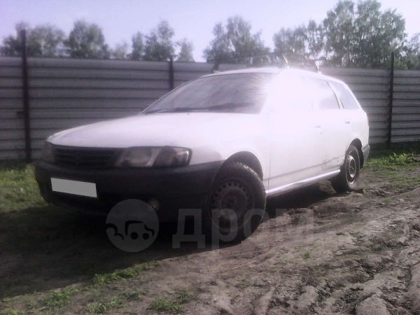Nissan AD, 2003 год, 110 000 руб.
