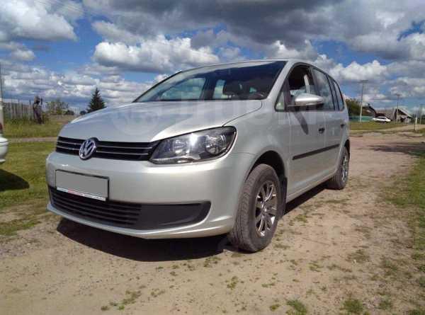Volkswagen Touran, 2010 год, 620 000 руб.