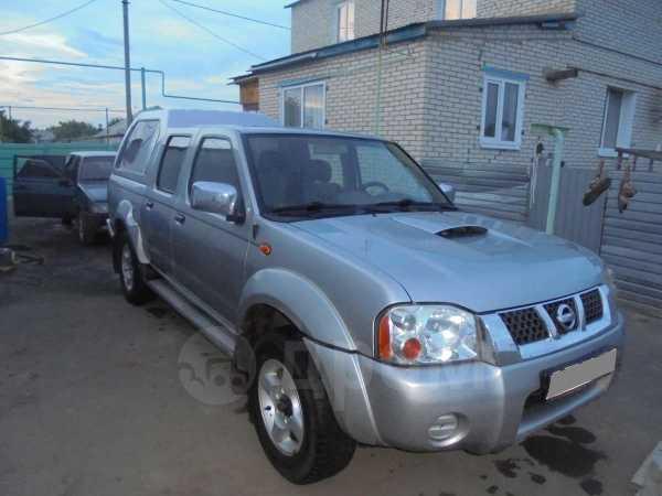 Nissan NP300, 2004 год, 650 000 руб.