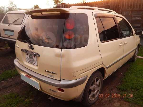 Toyota Raum, 1998 год, 165 000 руб.
