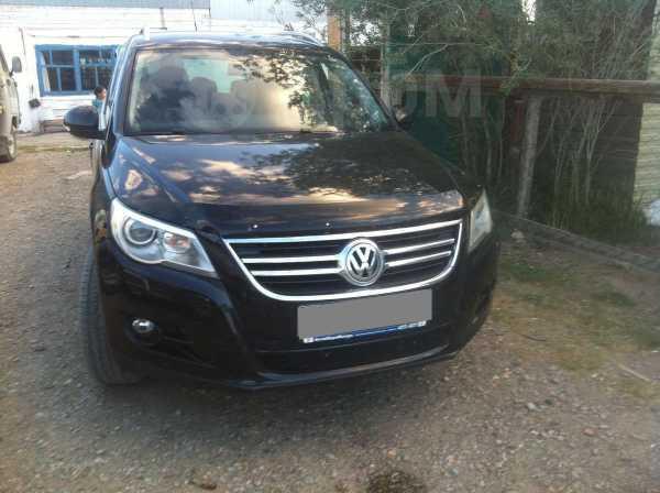 Volkswagen Tiguan, 2011 год, 930 000 руб.