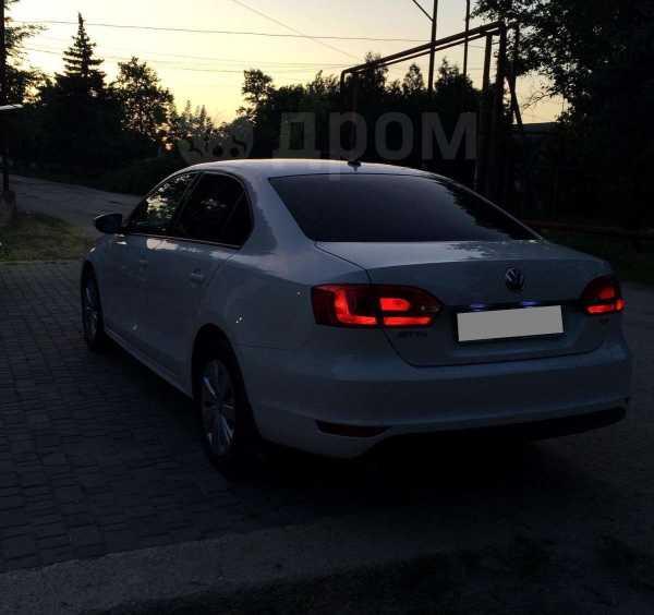 Volkswagen Jetta, 2011 год, 640 000 руб.