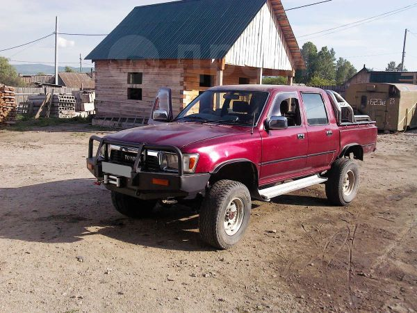 Toyota Hilux Pick Up, 1991 год, 500 000 руб.