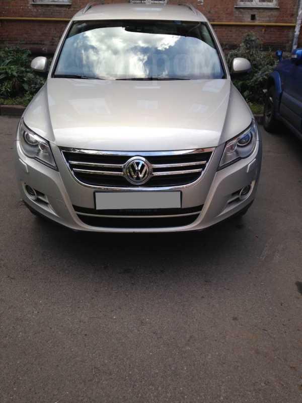 Volkswagen Tiguan, 2010 год, 810 000 руб.