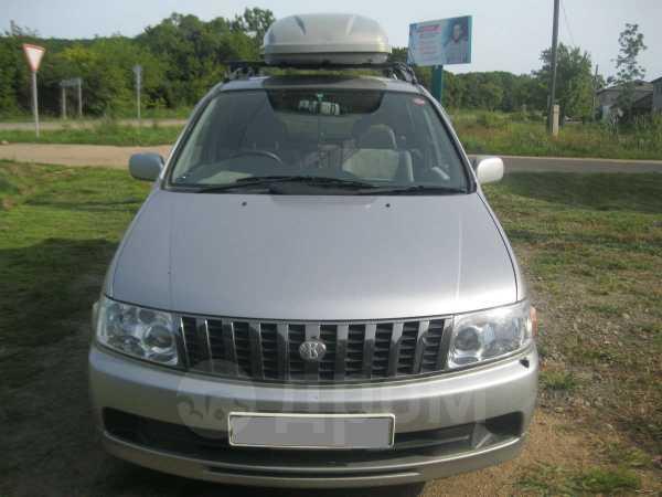 Nissan Bassara, 2002 год, 310 000 руб.